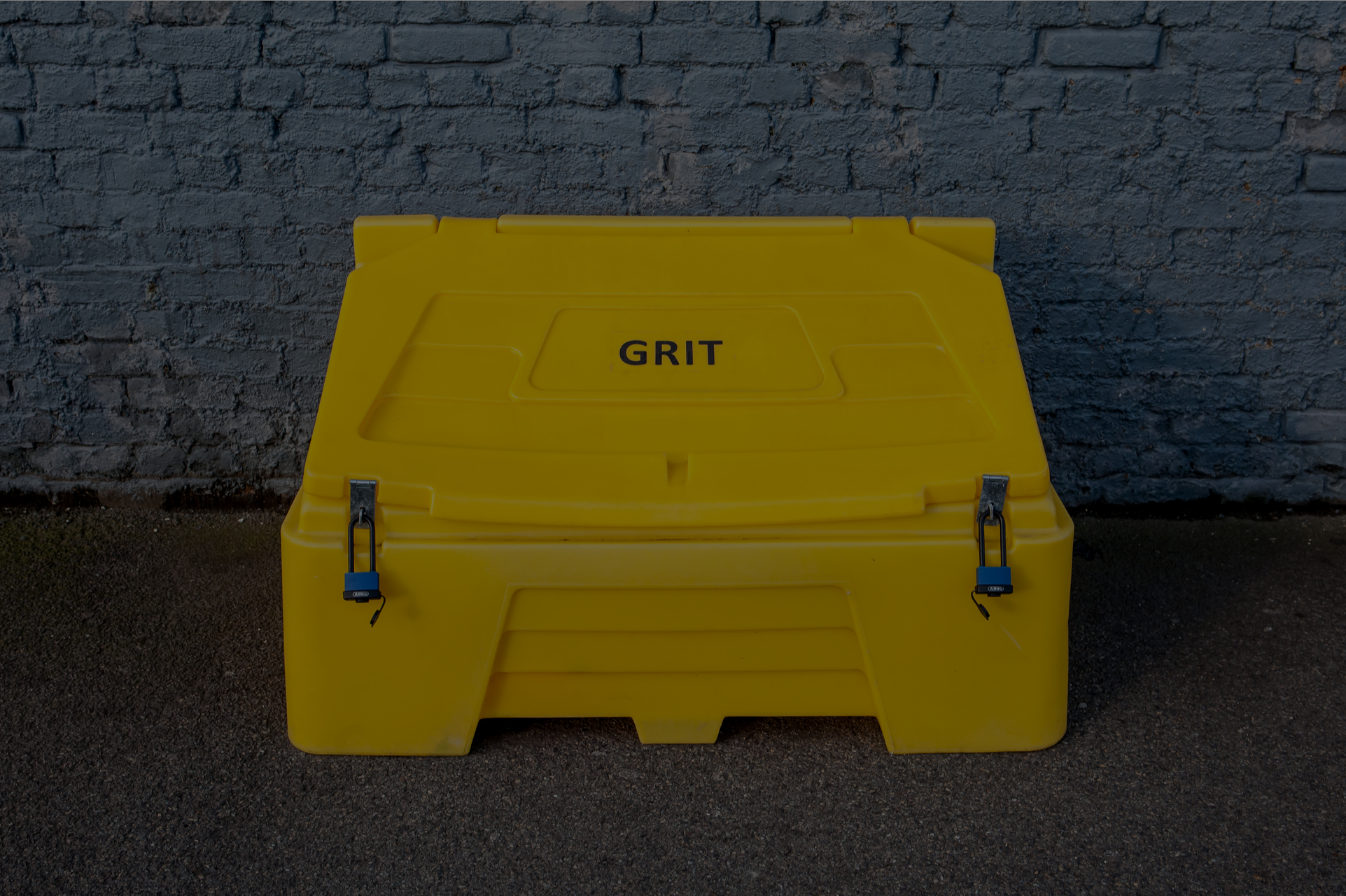 How to Tell If You MUST Grit Your Yard This Winter