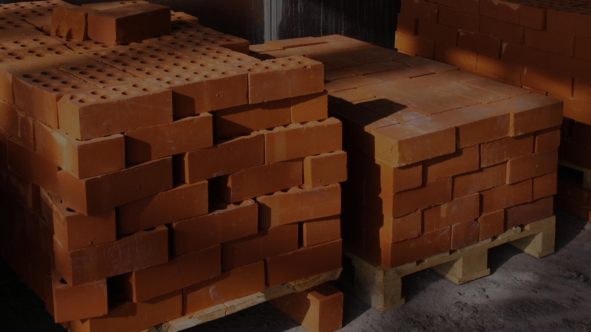 Beginners Guide: Safe Storage and Handling of Bricks & Blocks
